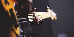 Strumento musicale basso