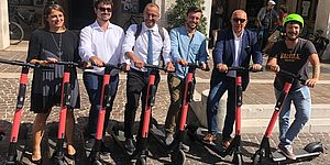 Ricci apre l'era del monopattino elettrico a flusso libero: «Innoviamo sulla mobilità sostenibile»