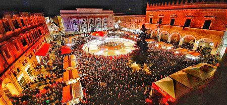 piazza allestita per il Natale