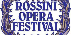 Scritta Rossini opera Festival in blu, incorniciata da foglie intrecciate