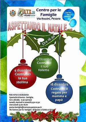 Descrizione laboratori attraverso palle colorate di decorazione dell'albero di Natale