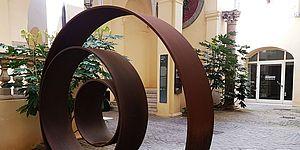 Cortile Palazzo Mosca - scultura