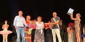 Mercantini Ricci ed altri sul palco