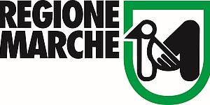 Logo Regione Marche con scritta nera a sinistra e stemma Regione verde e nero