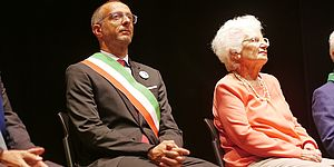 Segre, Ricci sta con Greggio: «Esemplare il suo gesto»