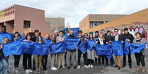 il sindaco Ricci: 'la bandiera alle finestre e sui balconi per rilanciare i valori dell'unione europea'