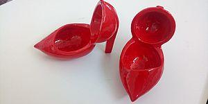 Scarpette rosse realizzate da Amici della ceramica di Pesaro