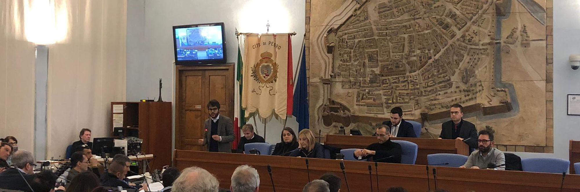 Il Consiglio approva l'indizione del referendum consultivo su fusione tramite incorporazione di Monteciccardo con il Comune di Pesaro
