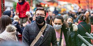 persone con mascherina