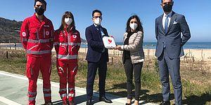 Della Dora CRI consegna defibrilatore