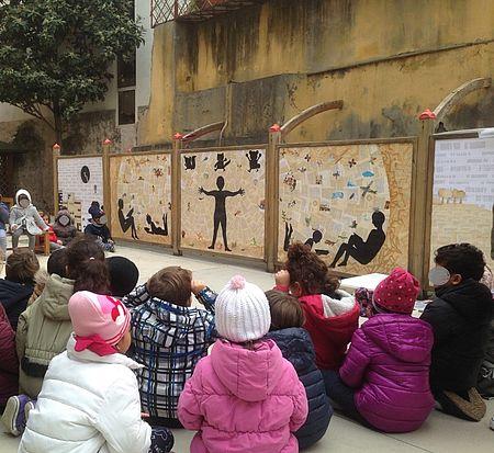 Il murale è un progetto ideato dalla scuola dell'infanzia che ha coinvolto l'artista Manuela Galimberti. L'opera, finanziata dalla Fondazione Wanda Di Ferdinando accoglierà anche gli eventi del Quartiere Centro
