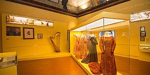 Museo Nazionale Rossini_Sala abiti Arpa
