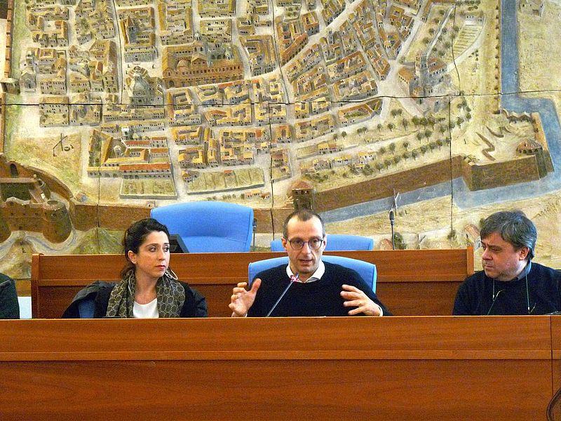 Ufficio Moderno Pesaro : Comune di pesaro ricci rivoluziona portale comune «più
