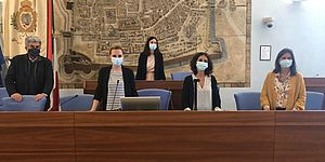 Mengucci Ceccarelli Drago ed altri in sala del consiglio