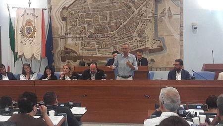 «Panoramica chiusa al traffico ogni domenica mattina», consiglio comunale d'accordo con Ricci