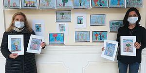 Ceccarelli e Della Dora mostrano i lavori degli studenti