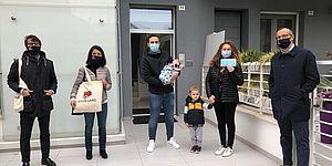 Ricci Della Dora Pozzi con genitori con bimbi