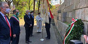 Cerimonia 25 aprile, sindaco Ricci e presidente Ceriscioli al monumento della Resistenza