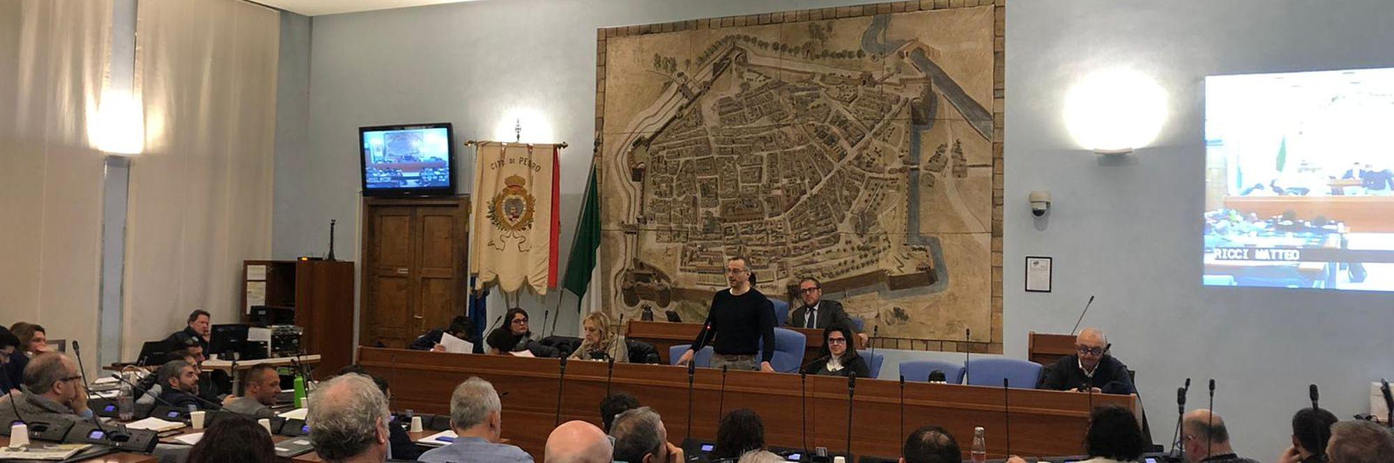Fusione Pesaro-Monteciccardo, via libera dal consiglio alla proposta di legge approvata dalla giunta regionale