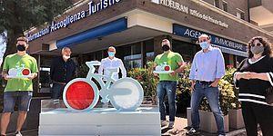 bici in polistirolo con Ricci ed altri