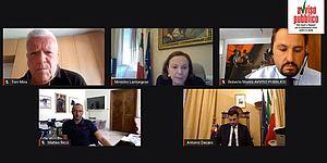 Politici in video conferenza