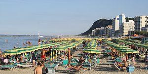 Ricci: «A Pesaro il turismo va bene. Avanti tutta»