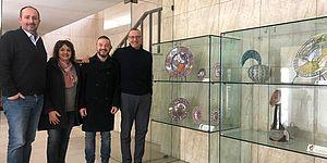 All'ingresso del palazzo del Comune di Pesaro, la mostra degli Amici della Ceramica