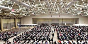 persone sedute per un concorso