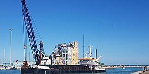 Chiatta da trasporto a mare