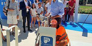 Matteo Ricci inaugura i nuovi bagni pubblici attrezzati in viale Zara