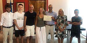 Cinquant'anni di attività di Camping Marinella e la famiglia di turisti che sceglie l'hotel Metropol da trent'anni