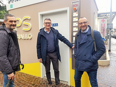 Nuovi bagni pubblici «attrezzati» anche in via Oberdan, Ricci: «Così cresce il livello di civiltà e accoglienza della città»