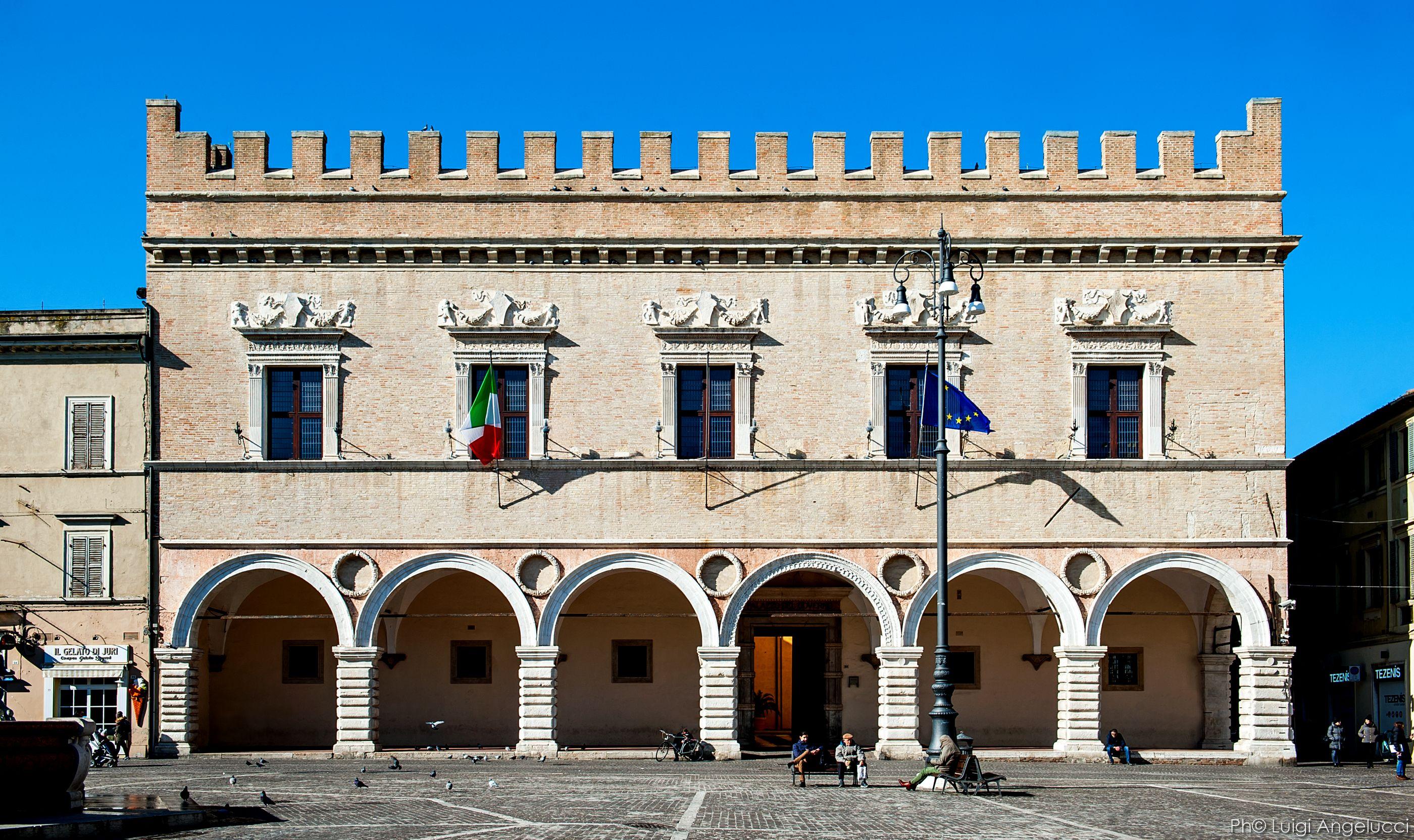 facciata del palazzo ducale ph Luigi Angelucci