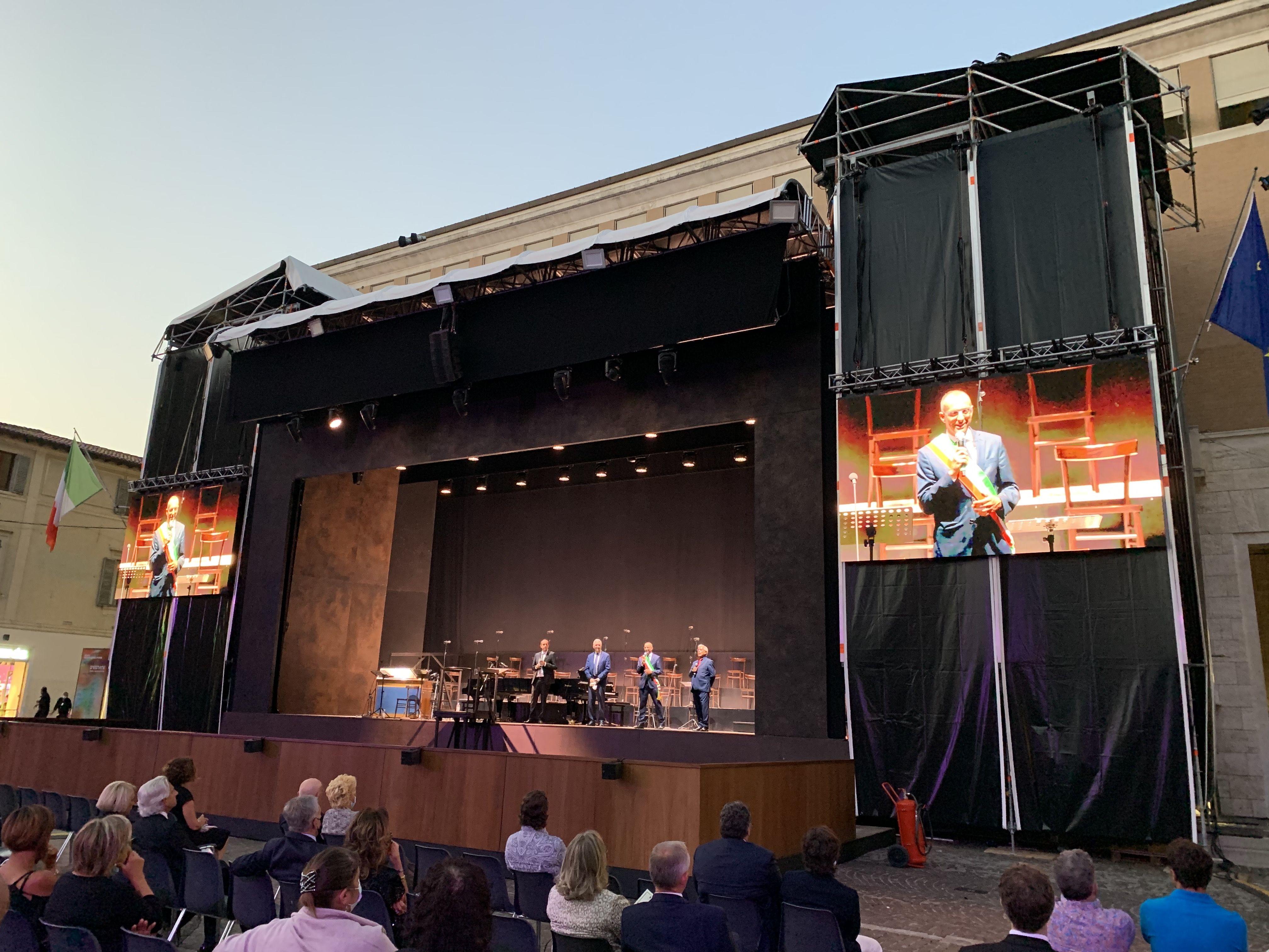 palco per il ROF in piazza del Popolo
