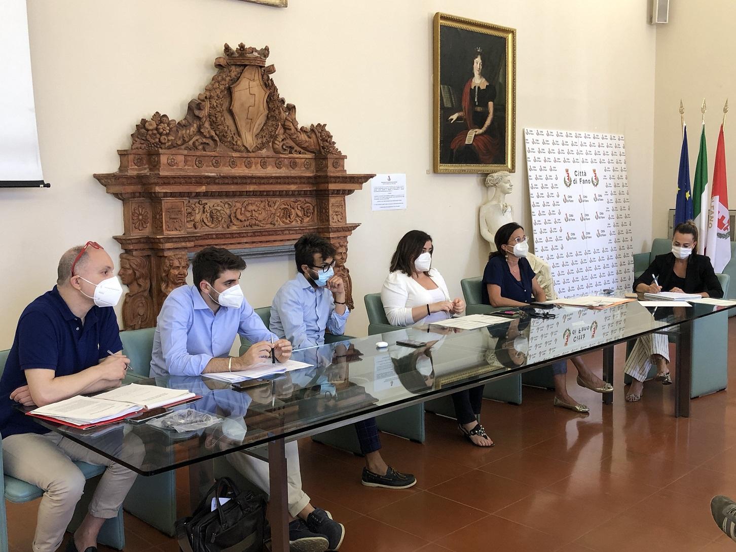 Ieri l'incontro degli assessori Cucchiarini e Pozzi con i rappresentanti delle attività economiche per siglare «una convergenza d'azioni basata sul dialogo»