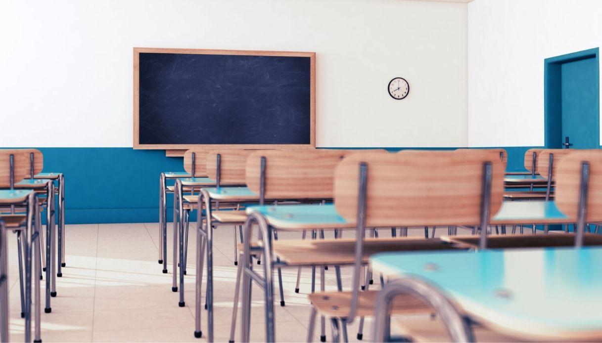 Foto aula scolastica vuota